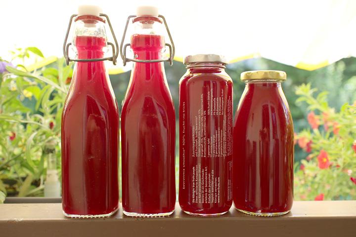 Fruchtsaft abgefüllt ist im Kühlschrank begrenzt haltbar.