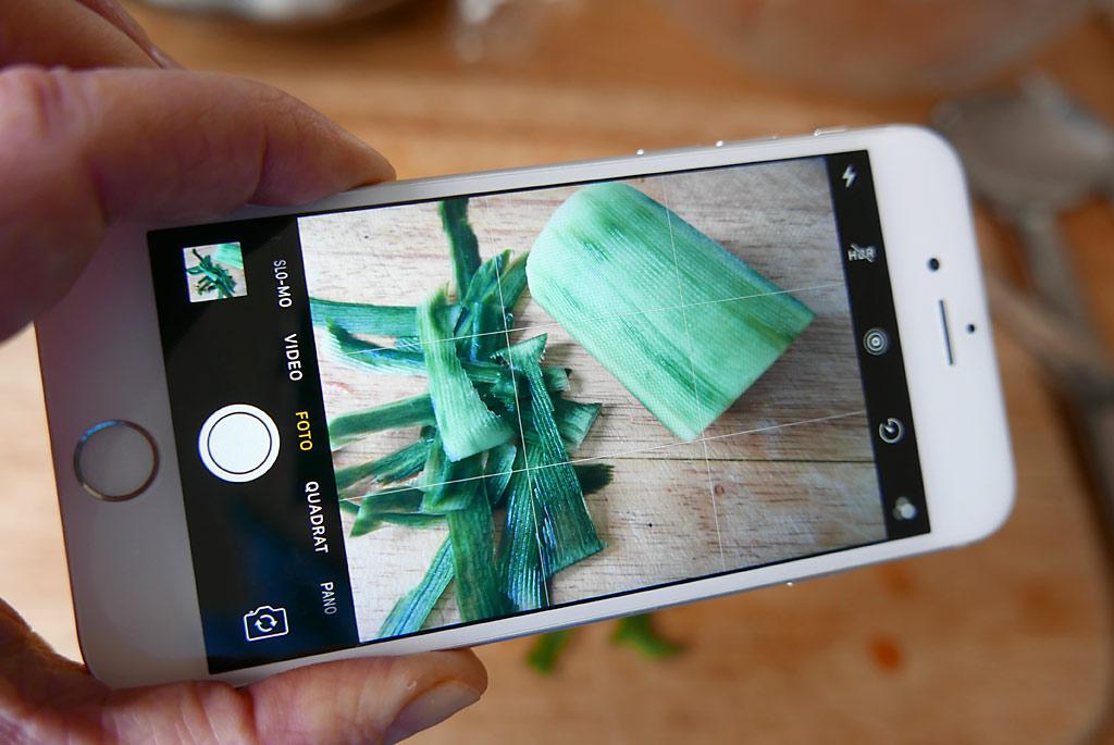 Food-Fotos mit dem Smartphone: Das Gitter kann helfen bei der Ausrichtung und der Bildkomposition.