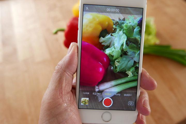 Mein Favorit für die Stories: In Apples Camera-Amm im Hochformat aufnehmen - und evt. in FCPX nachbearbeiten.