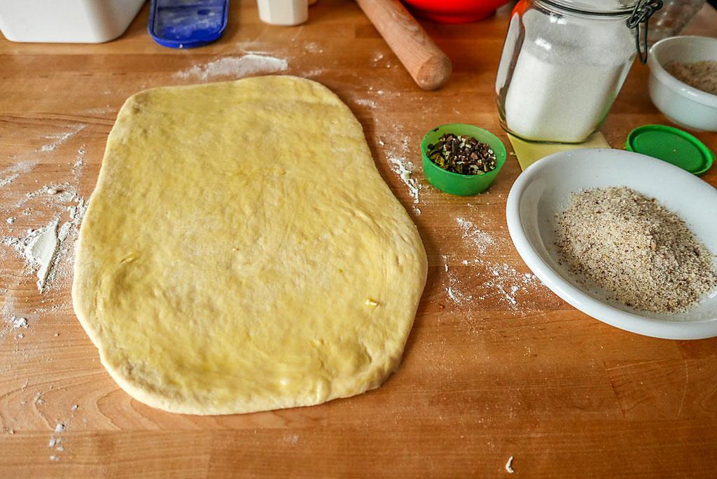 Hefeteig-Reste: Ein halbes Pfund reicht für eine gute Portion Schneckennudeln.