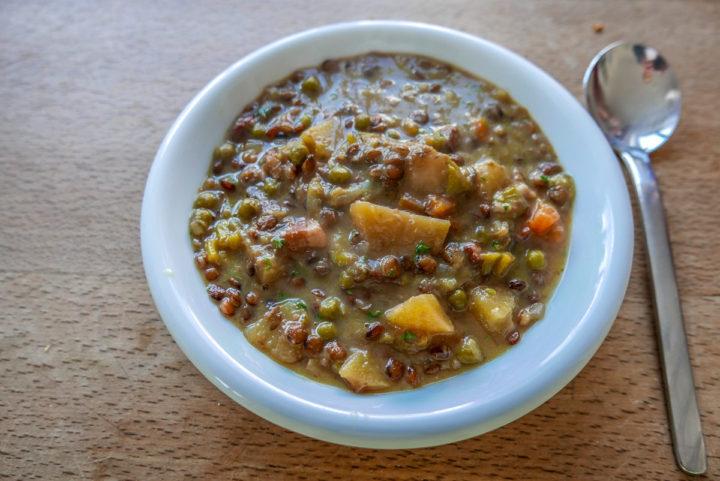 Linsen-Gemüse-Suppe: nur einfache und frische Zutaten