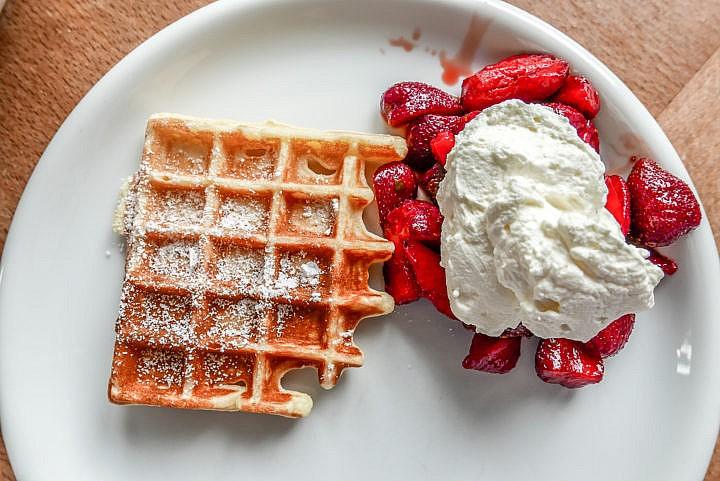 Erdbeer-Waffeln - so schmeckt der Sommer