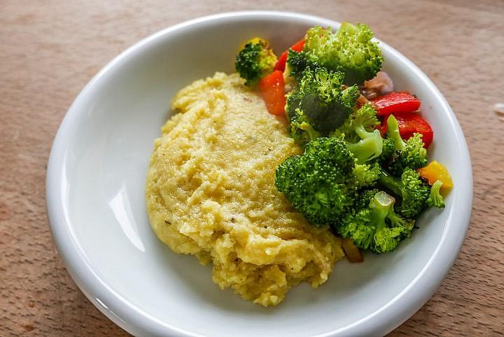 Auch die Kombination von Polenta mit Gemüse ist lecker.
