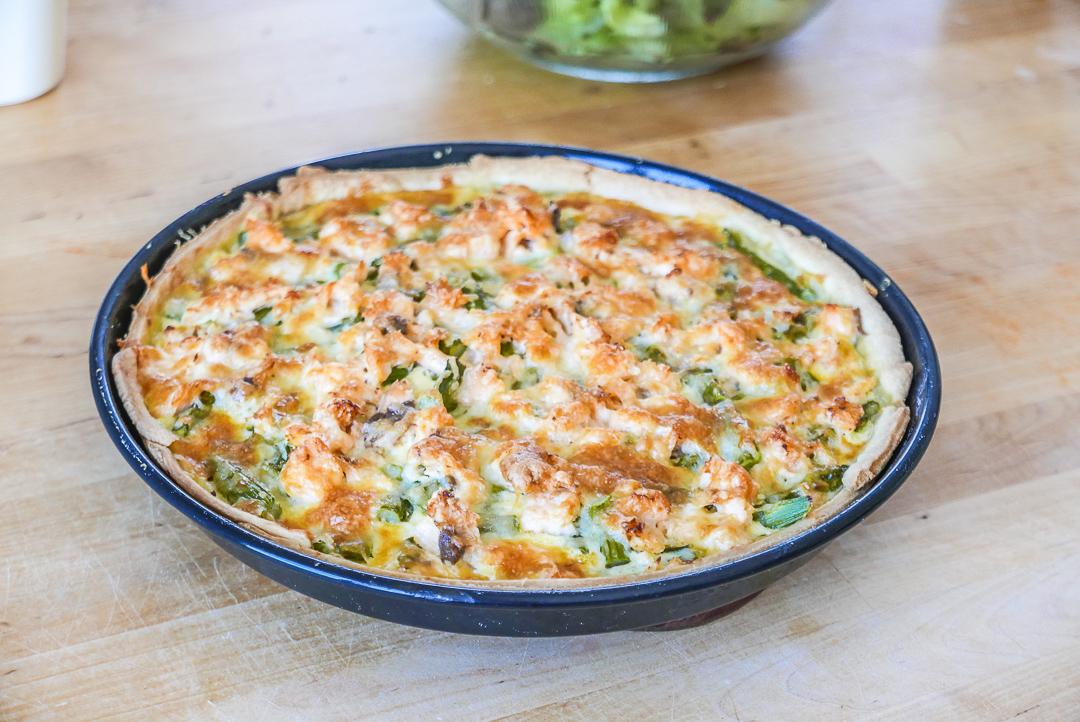 Leicht gebräunt aus dem Ofen und möglichst noch warm auf den Tisch