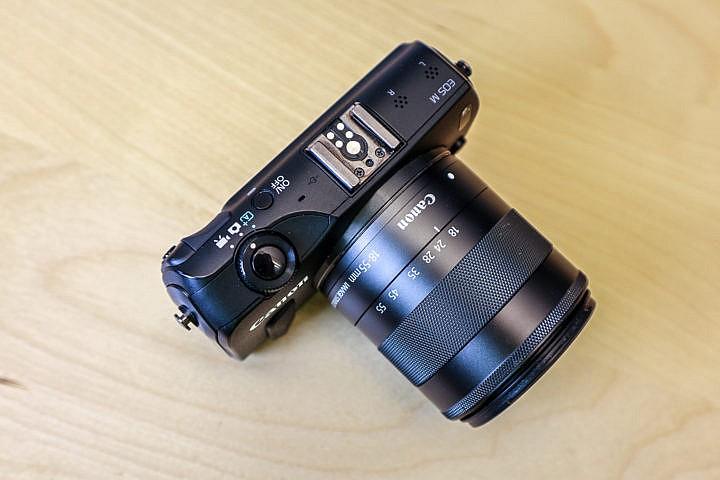 Eine preiswerte Kamera für gute Ergebnisse ist die schon etwas ältere Canon EOS M.