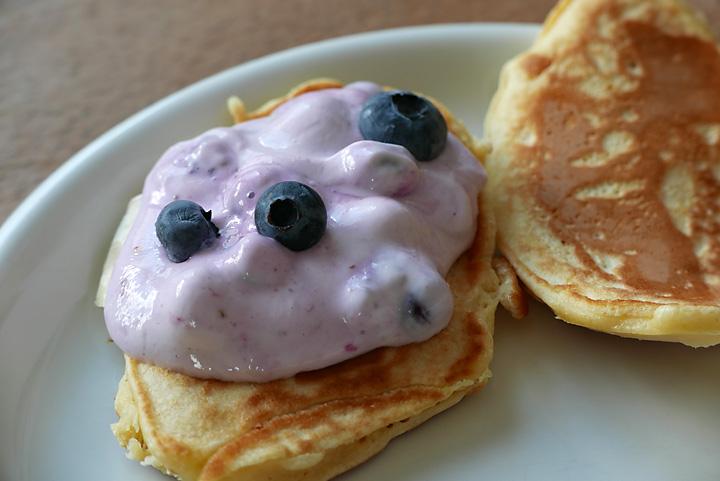 Pancakes mit Heidelbeer-Skyr